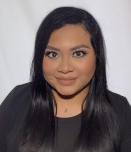 Karina Linares : Lab Manager